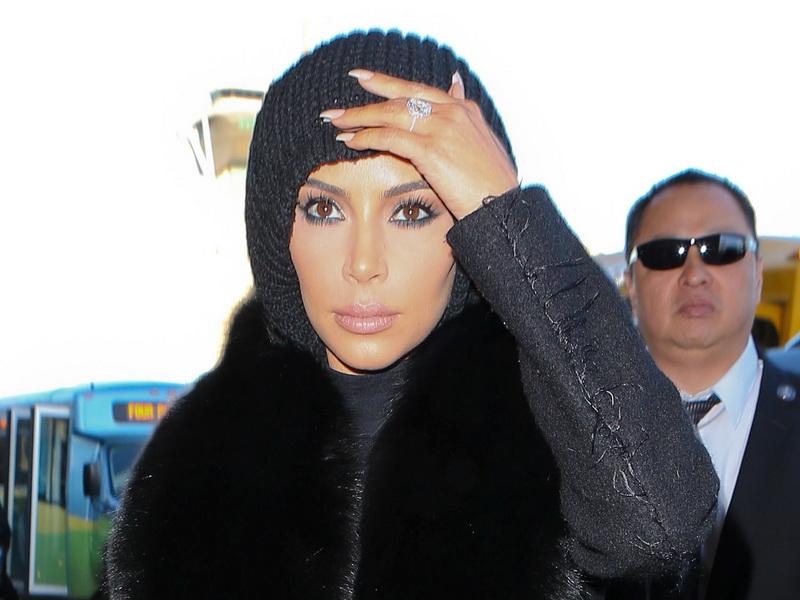 kim-kardashian-texting-kanye-before-catching-flight-part-2.bin