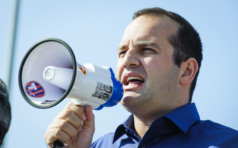 Načelnik općine Tisno Ivan Klarin na prosvjedima u listopadu 2016.