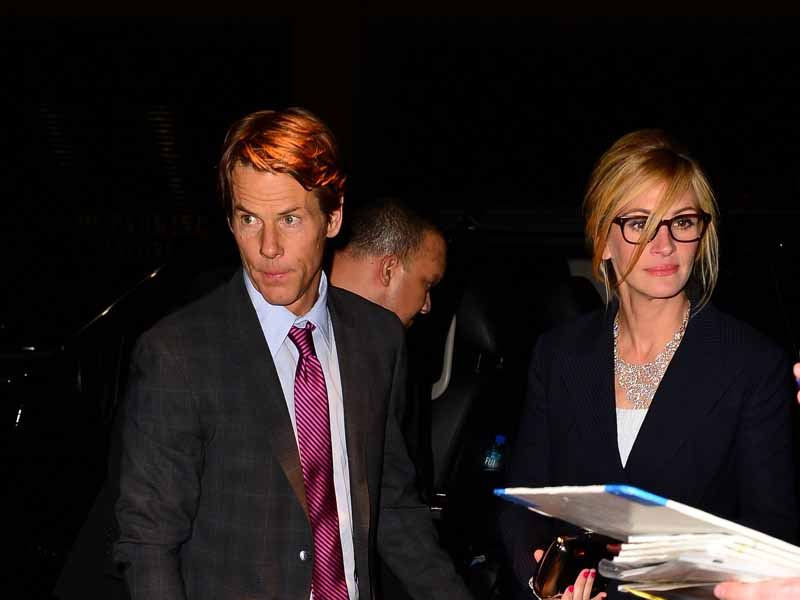 julia-roberts-and-danny-moder-arrive-at-the-after-party-for-the-normal-heart-premiere-in-nyc.bin