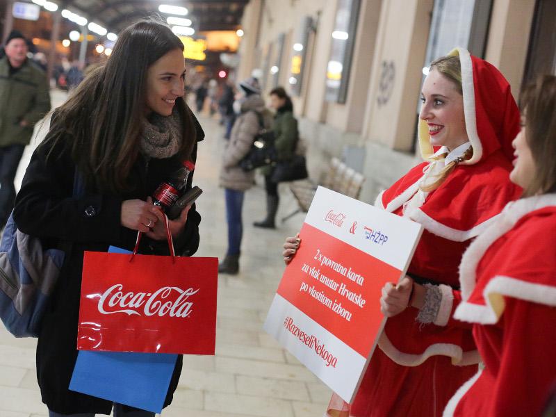 17.12.2015., Zagreb - Promocija Coca cole i Hrvatskih zeljeznica na Glavnom kolodvoru. Photo: Grgur Zucko/PIXSELL