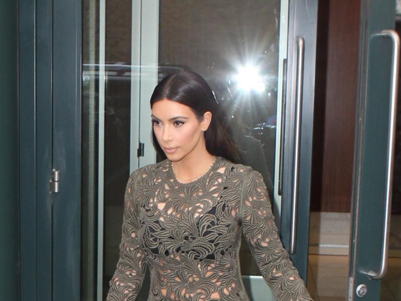kim_kardashian_00-13