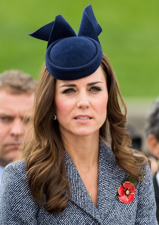 Catherine, Duchess of Cambridge attends the ANZAK Day Service at the Australian War Memorial in Canberra, Australia on April 25, 2014. The Duchess is wearing a blue hat by Australian milliner Jonathan Howard    /HUSSEINANWAR_1401.15/Credit:HUSSEIN ANWAR/SIPA/1404251415