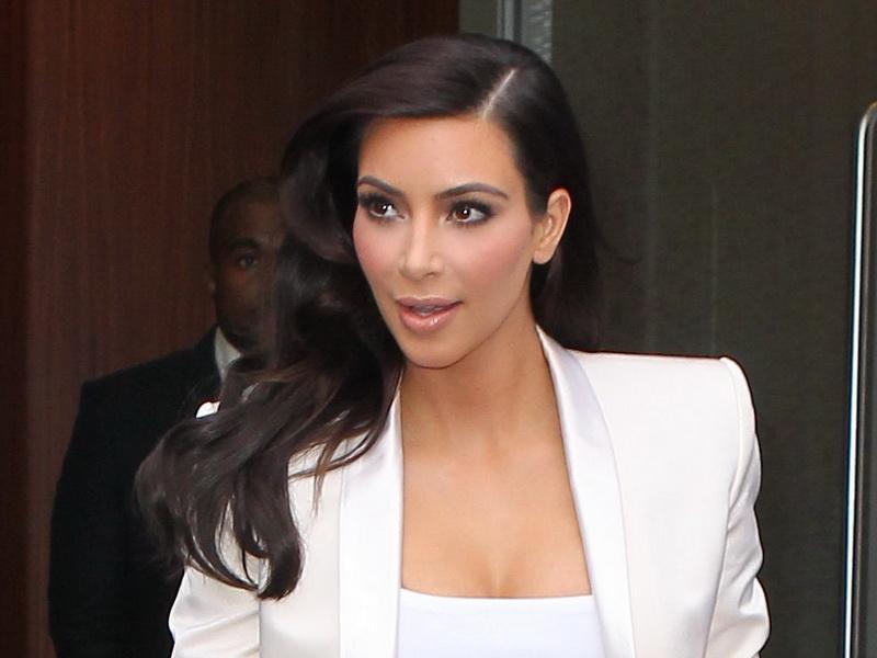 kim-kardashian-and-kanye-west-pick-up-their-wardrobe-for-tonights-met-gala-part-2.bin
