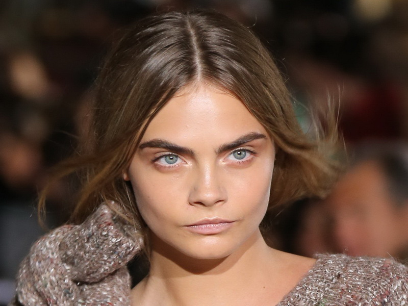 paris-cara-delevingne-at-thestella-mccartney-show-paris-fashion-week