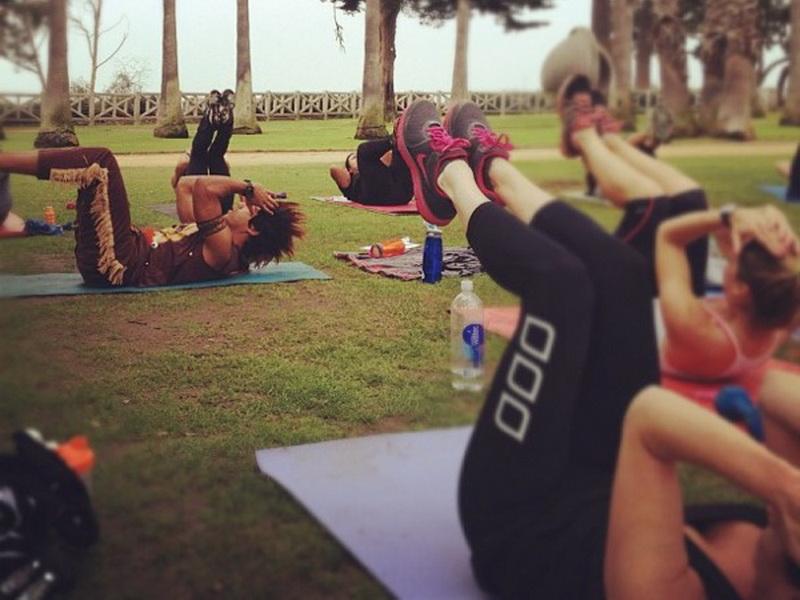vibe-vixen-10-people-to-follow-fitness4-2.bin
