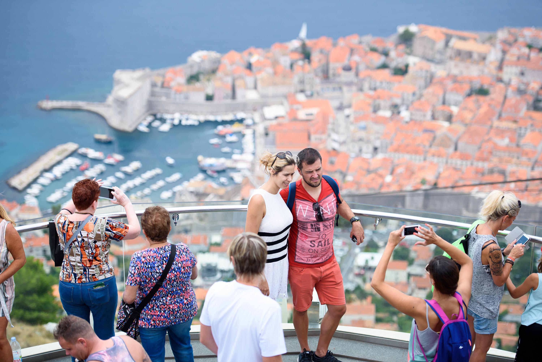 Turisti na Srđu