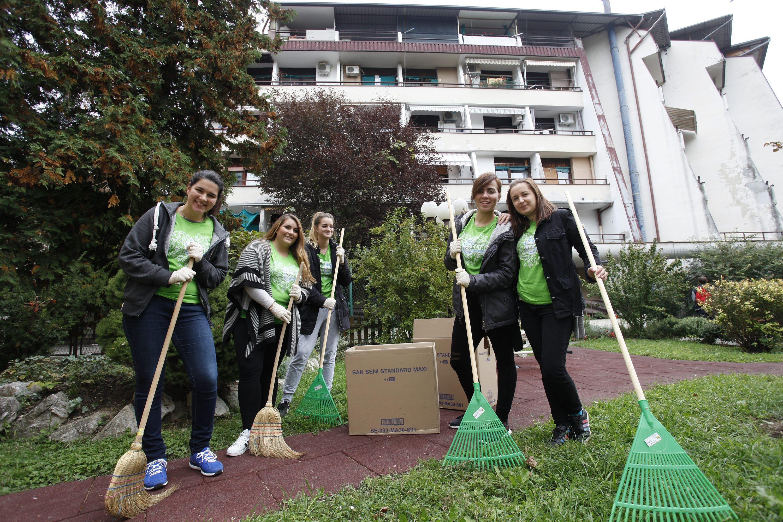 Volonteri u Domu za starije Trnje