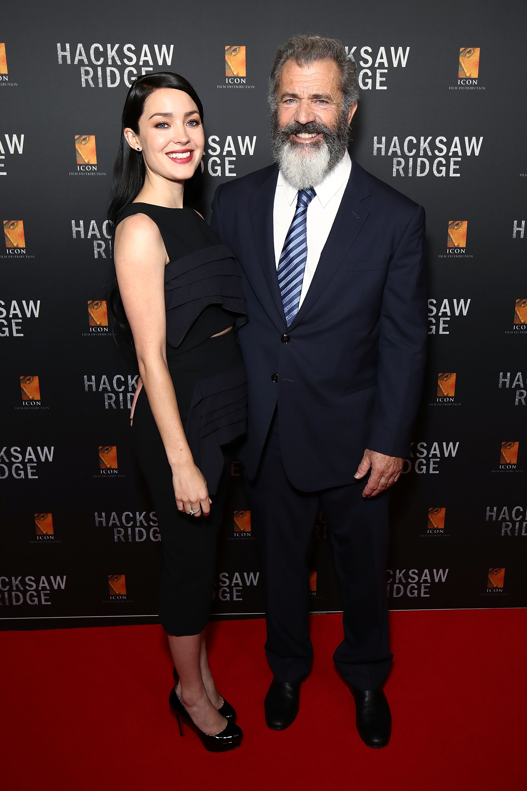 SYDNEY, AUSTRALIA - OCTOBER 16:  Rosalind Ross and Mel Gibson arrive ahead of the Australian premiere of Hacksaw Ridge at State Theatre on October 16, 2016 in Sydney, Australia.  (Photo by Brendon Thorne/Getty Images)