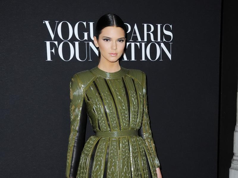 paris-vogue-foundation-gala-arrivals-paris-fashion-week-haute-couture-fallwinter-2014-2015.bin