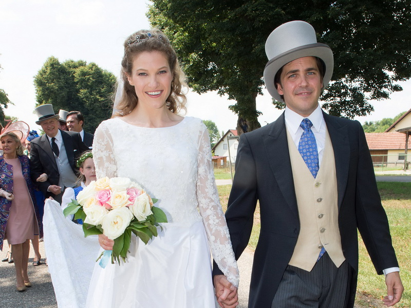 stchonach-wedding-of-prince-francois-of-orleans-miss-theresa-von-einsiedel-reception.bin