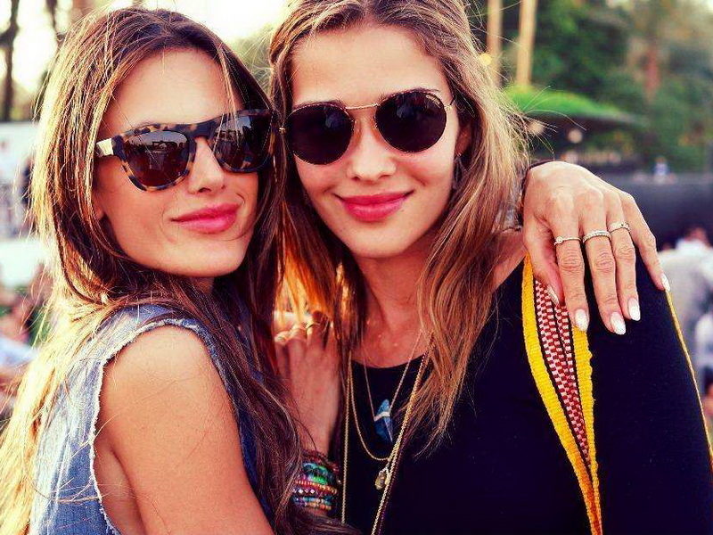 street-style-at-coachella-day-three-exclusive-content-weekend-one.bin