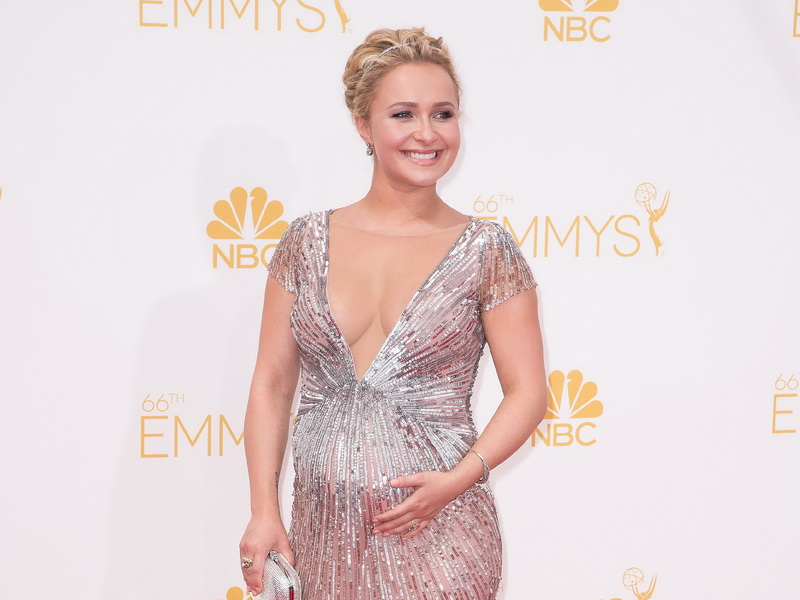 66th-annual-primetime-emmy-awards-in-los-angeles-red-carpet-arrivals-3.bin