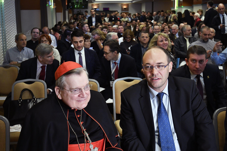 Potpredsjednik Vlade RH i ministar vanjskih poslova Davor Ivo Stier i američki kardinal Raymond Leo Burke