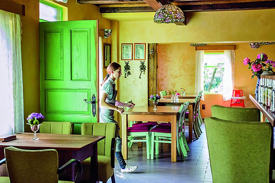 Popovaca, 140916.  Obiteljski restoran August u Popovaci. Foto: Neja Markicevic / CROPIX