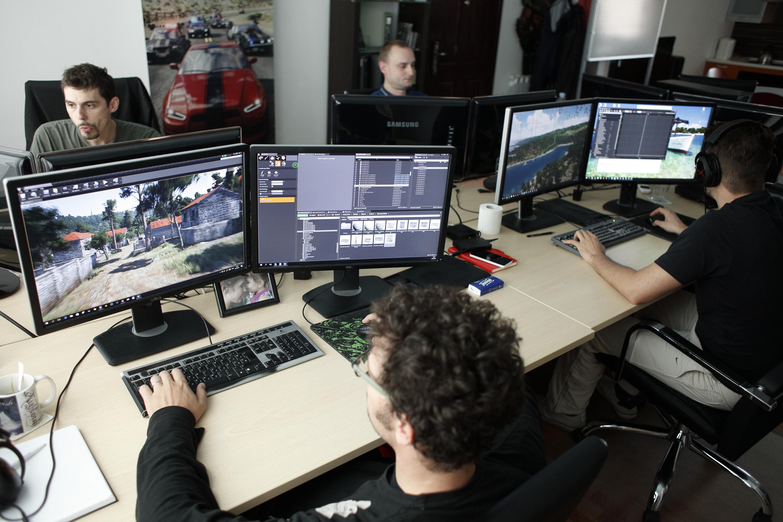 Zagreb, 300916. Tvrtka Gamepires smjestena je u Medarskoj ulici i bavi se izradom racunalnih video igara. Na fotografiji: izrada video igrica. Foto: Dragan Matic / CROPIX