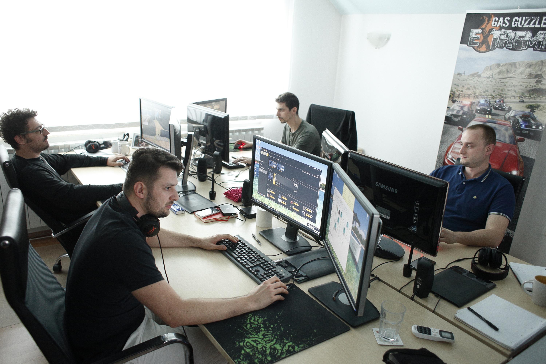 Zagreb, 300916. Tvrtka Gamepires smjestena je u Medarskoj ulici i bavi se izradom racunalnih video igara. Na fotografiji: izrada video igrica. Foto:  / CROPIX