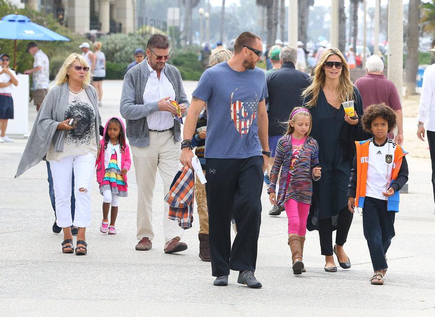 meet-the-family-martin-kristen-spending-time-with-heidi-klums-parents-part-i-7.bin