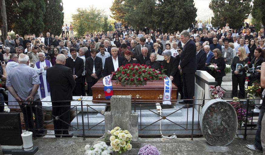 pokop-vinka-coce-na-trogirskom-gradskom-groblju281013-snimio-sasa-buric.bin