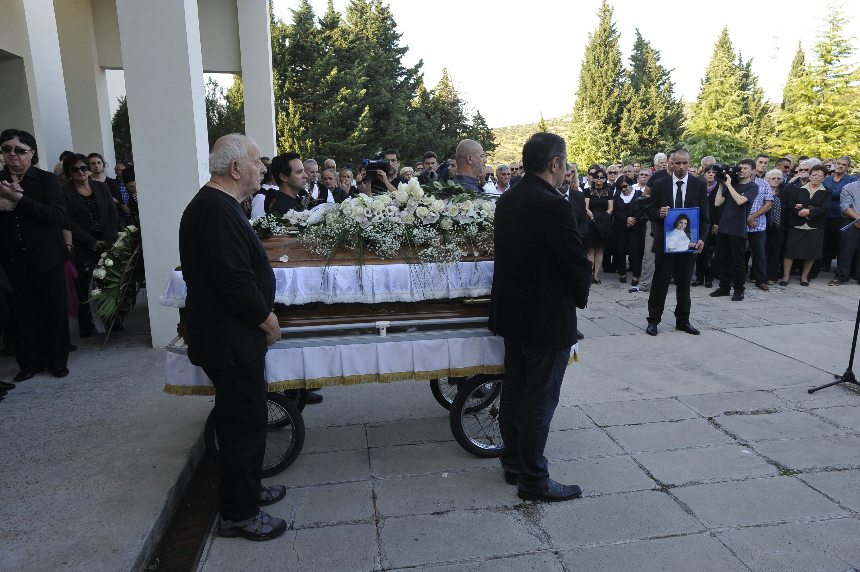 sibenik-25-10-2013-posljednji-ispracaj-tragicno-preminule-glumice-dolores-lambase.bin