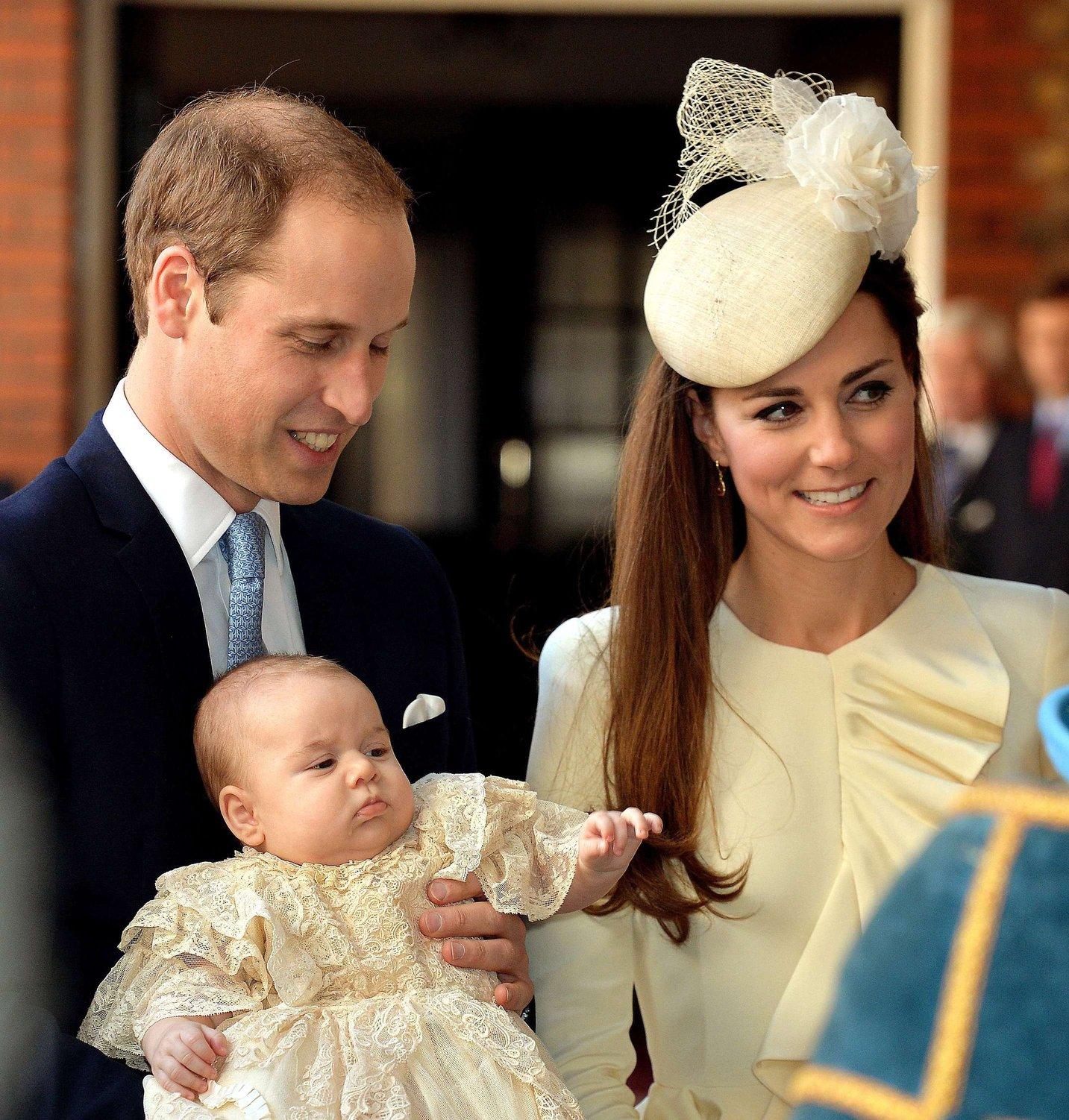 topshots-britain-royals-baby-religion-2.bin