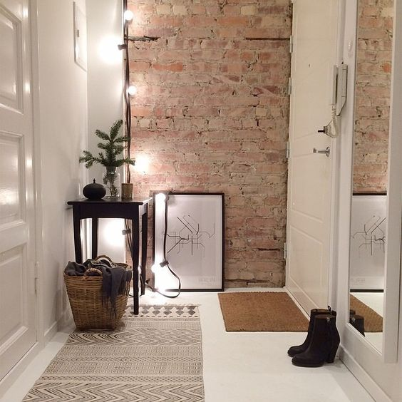 Cigla u hodniku