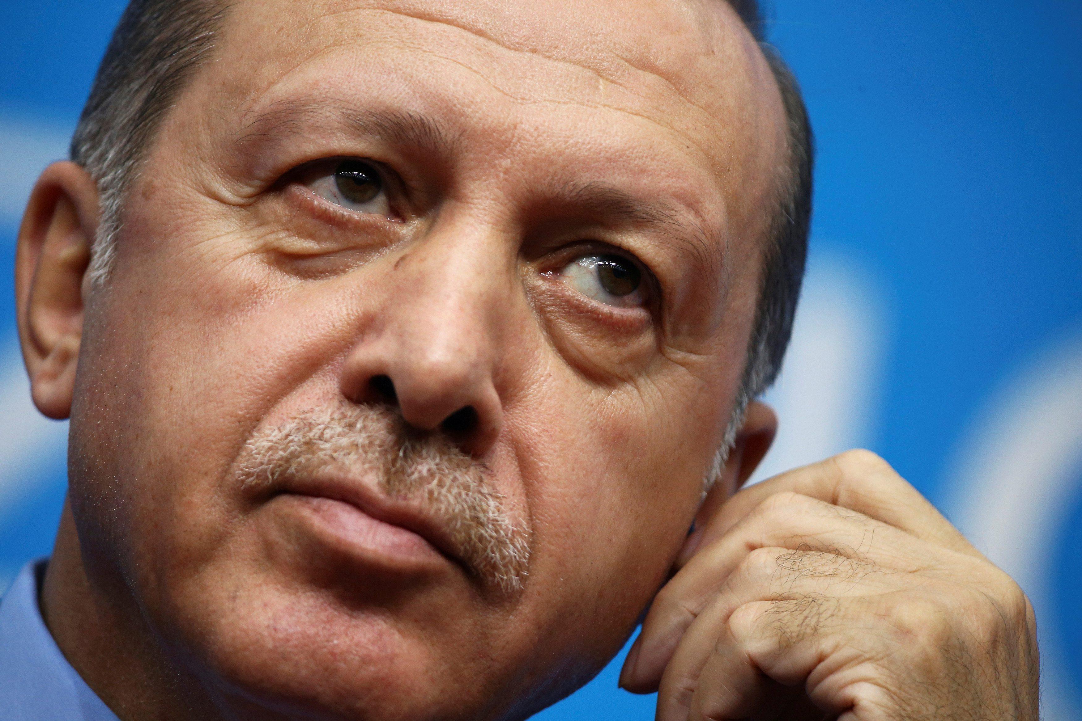 2016-11-16T112211Z_1098953177_D1BEUNDQSHAA_RTRMADP_3_TURKEY-POLITICS