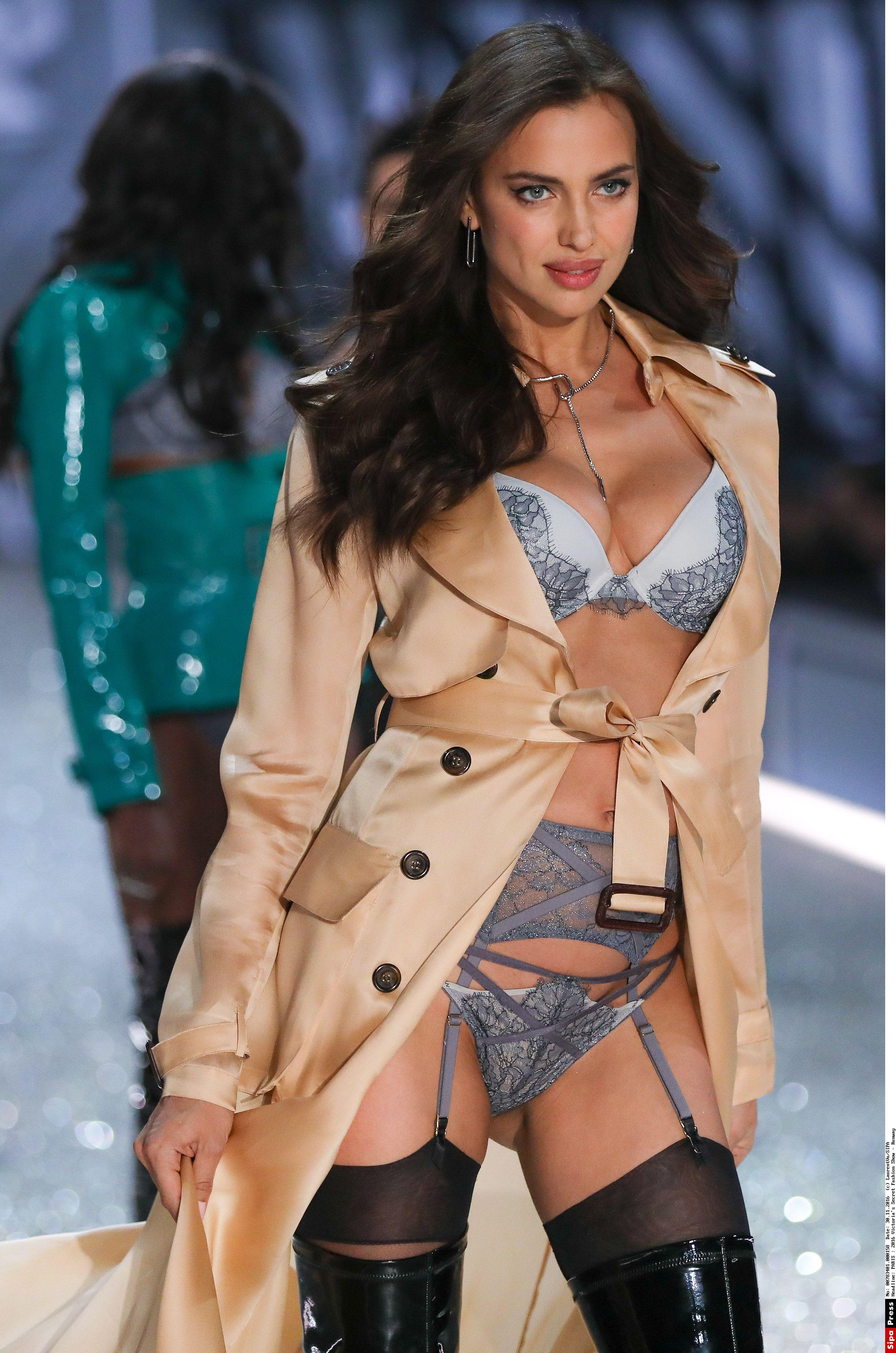 Irina Shayk walks the runway as The Weeknd performs at the Victoria's Secret Fashion Show at the Grand Palais in Paris, FRANCE - 30/11/2016.//PLV_VU_116253/Credit:LaurentVu/SIPA/1612010435, Image: 307148822, License: Rights-managed, Restrictions: , Model Release: no, Credit line: Profimedia, TEMP Sipa Press