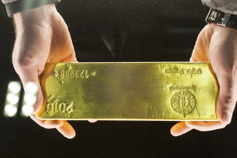 Zlatna poluga teška 12,44 kilograma