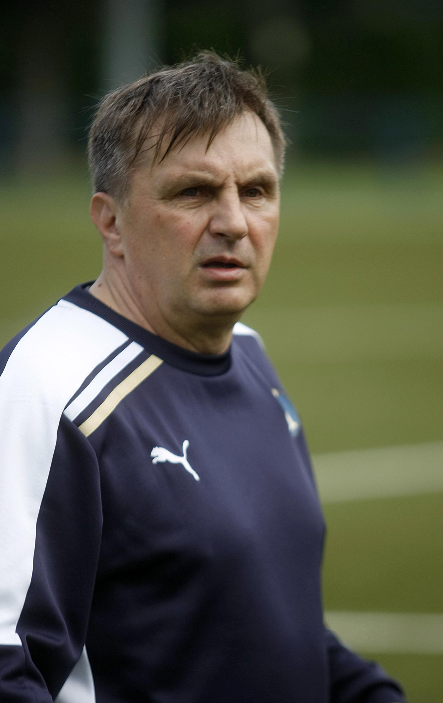 Zagreb, 140515. Stadion Maksimir. Trener Marko Mlinaric na treningu sa Dinamovim juniorima. Foto: Ranko Suvar / CROPIX