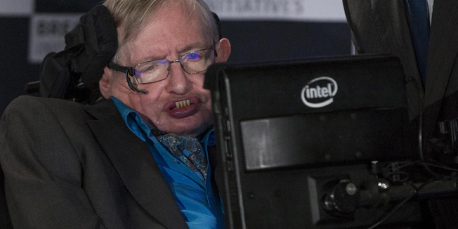 Professor Stephen Hawking speaks at a media event to launch a global science initiative at The Royal Society in London, Britain, July 20, 2015. REUTERS/Neil Hall - RTX1L1LB