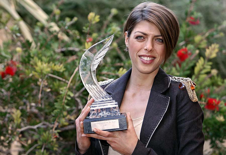 High jump Croatian athlete Blanka Vlasic poses her trophy after being awarded female athlete of the year 2010, on November 21, 2010 in Monaco, during a press conference prior to the International Association of Athletics Federations (IAAF) gala. AFP PHOTO SEBASTIEN NOGIER