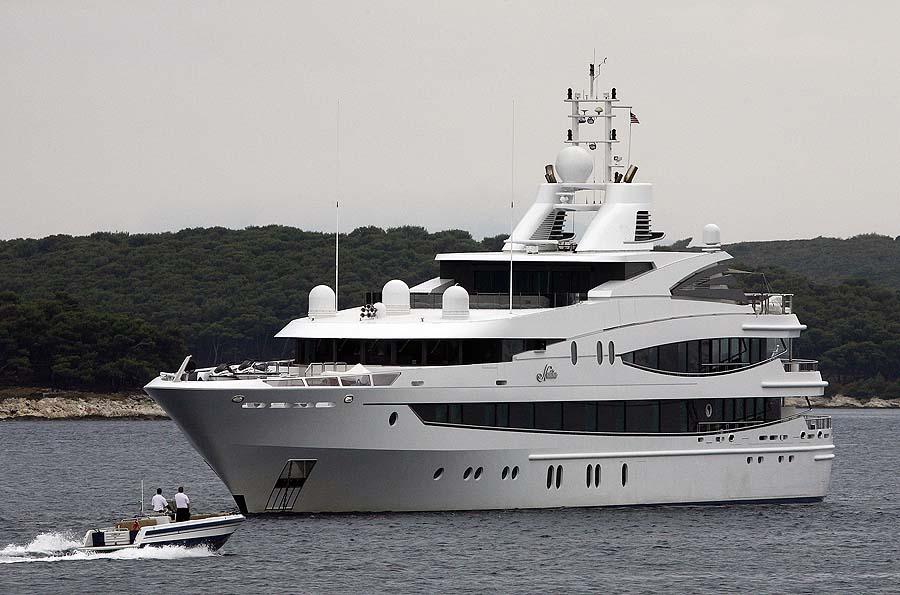 Hvar, 050711.Jahta Superyacht Natita, 66 metra duzine i vrijednosti 60 milijuna eura, uplovila je u Hvarsku luku.Foto: Damjan Tadic / CROPIX
