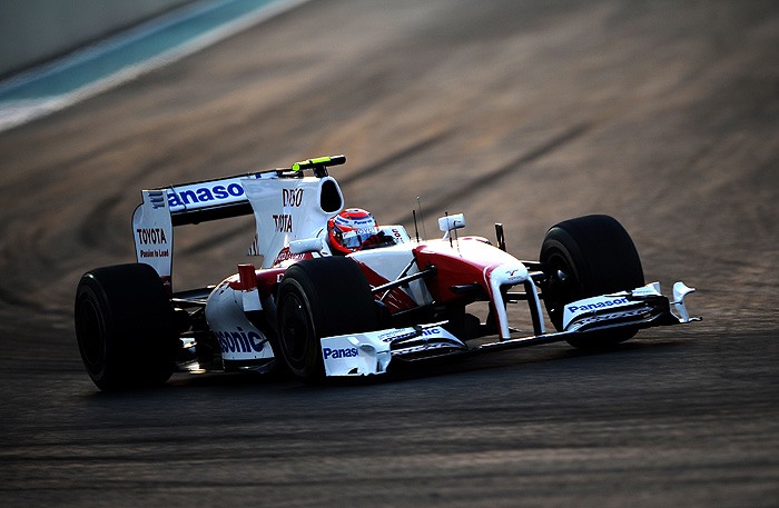 Toyota Japanese driver Kamui Kobayashi drives at the Yas Marina Circuit on November 1, 2009 in Abu Dhabi, during the Abu Dhabi Formula One Grand Prix.         AFP PHOTO / FRED DUFOUR