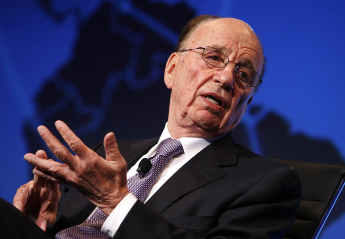 "News Corporation Chairman and CEO Rupert Murdoch speaks at the Wall St. Journal CEO Council on ""Rebuilding Global Prosperity"" in Washington November 16, 2009.  REUTERS/Kevin Lamarque (UNITED STATES BUSINESS MEDIA)"
