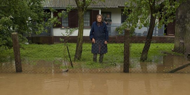 Ivanovo Selo, 020610.Osim Slavonije poplavljeni su i odredjeni dijelovi Bjelovarske zupanije. Poplave su prisutne u Ivanovom selu i Drazici pored Grdjevca.Foto: Leon Hribljan / BJELOVARSKI LIST / CROPIX