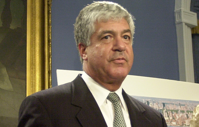 In this May 30, 2001 photo, then Met Life Chairman Robert Benmosche talks during a news conference announcing that Met Life was moving to Long Island City, New York. AIG CEO Robert Benmosches said Wednesday, Nov. 11, 2009, he plans to stay in his job at the embattled insurer. (AP Photo/New York Daily News, Thomas Monaster) ** MANDATORY CREDIT NEW YORK DAILY NEWS; NY OUT; MAGS OUT; NO SALES **