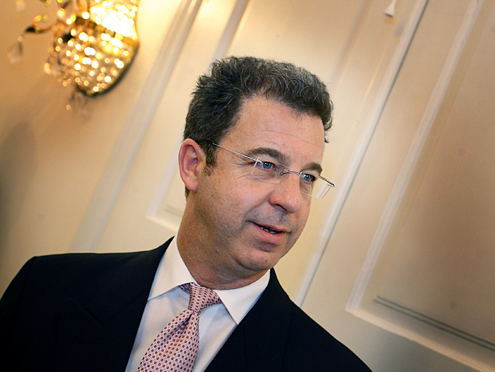 Chief Prosecutor of the International Criminal Tribunal for former Yugoslavia (ICTY) Serge  Brammertz waitsfor the meeting with Croatian Prime Minister Jadranka Kosor (not pictured) in Zagreb, on September 28, 2009 Brammertz arrived for an official one-day visit to Croatia.   AFP PHOTO/ HRVOJE POLAN