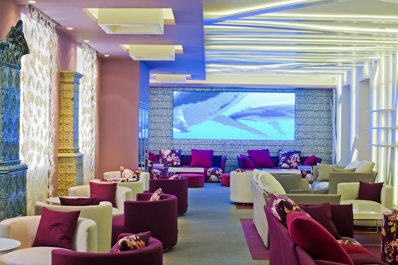 Bar se nalazi Bogovićevoj 7 na 1. katu iznad slastičarne Millenium.