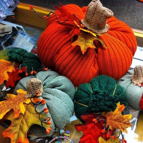 halloween-bundeva-od-pulovera-foto-recyclart-org_1