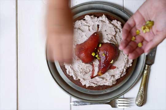 torta-s-kruskama-u-crnom-vinu-2.bin