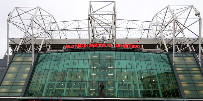 MANCHESTER, ENGLAND - JANUARY 11:  Fans arrive at the stadium before the Barclays Premier League match between Manchester United and Southampton at Old Trafford on January 11, 2015 in Manchester, England.  (Photo by Clive Mason/Getty Images)