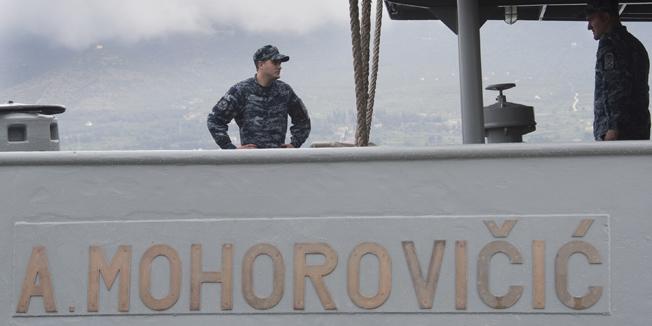 Split, 280415. Ratna luka Lora.Posada broda Andrija Mohorovicic za nekoliko dana ide u humanitarnu misiju spasavanja africkih imigranta koji se krijumcarskim brodicama pokusavaju domoci talijanske obale kako bi ilegalno usli u EU.Foto: Bozidar Vukicevic / CROPIX