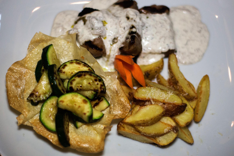 Osijek,190516 Restoran Lumiere u sredistu Osijeku. Na fotografiji:Restoran Lumiere,Istarski lungic s gusjom pastetom u tartufati. Foto: Emica Elvedji / CROPIX