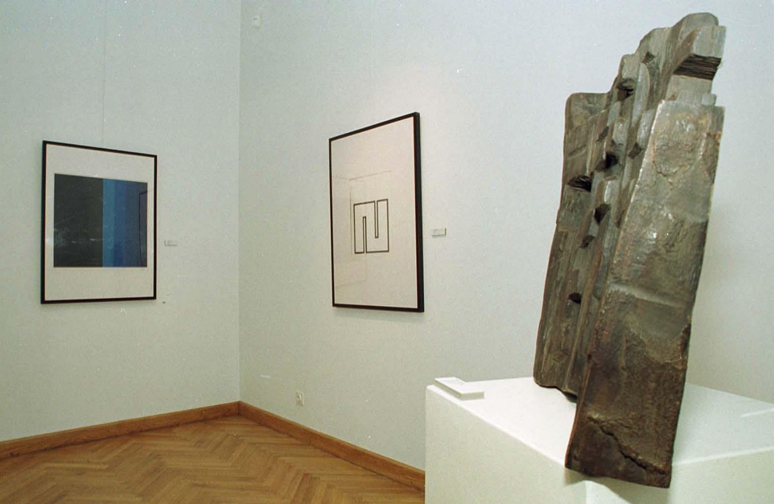 osijek,070602 lijevo ivan picelj julie knifer i branko ruzic izlozba hrvatske apstrakcije u glu osijek foto:ivica pejic -kult-