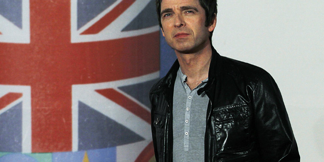 Noel Gallagher arrives for the BRIT Music Awards at the O2 Arena in London February 21, 2012.   REUTERS/Luke MacGregor (BRITAIN - Tags: ENTERTAINMENT) (BRIT-ARRIVALS) - RTR2Y7PI