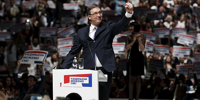 Serbian Prime Minister and leader of the Serbian Progressive Party (SNS) Aleksandar Vucic waves to his supporters during a rally ahead of Sunday's election, in Belgrade April 21, 2016. REUTERS/Marko Djurica