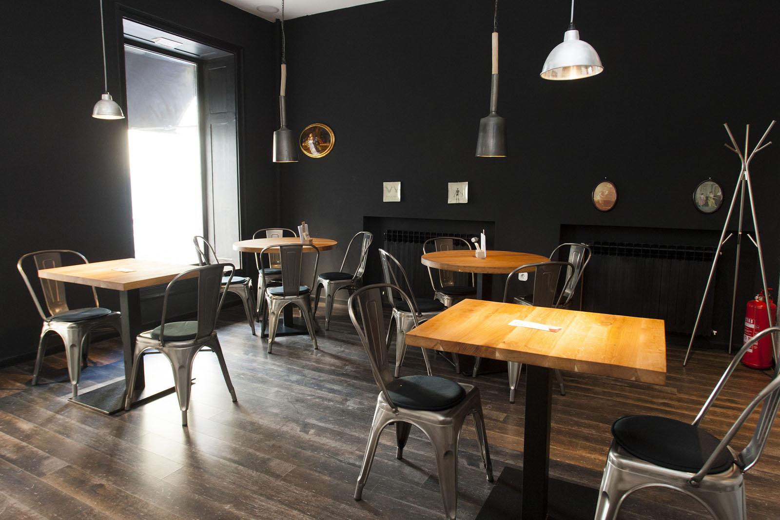 Zagreb, 240316. Nova ves 19. Louie Cafe & Kitchen. Na fotografiji: interijer. Foto: Tomislav Kristo / CROPIX
