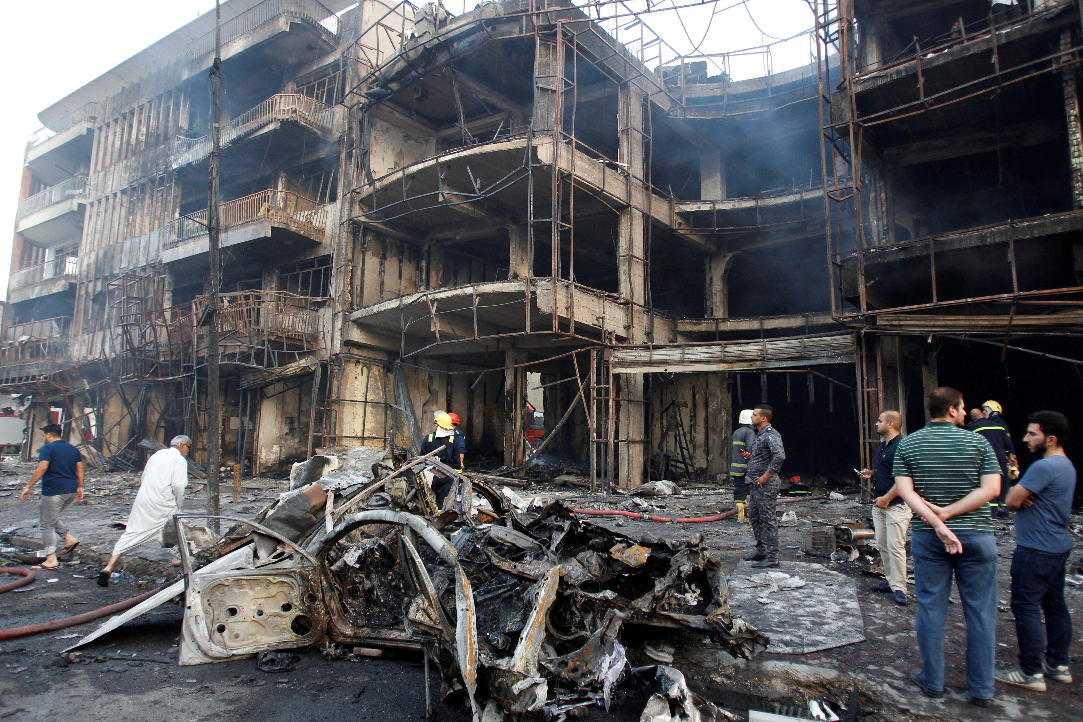 Ruševine u Bagdadu nakon strašnog terorističkog napada 3.7.2016.
