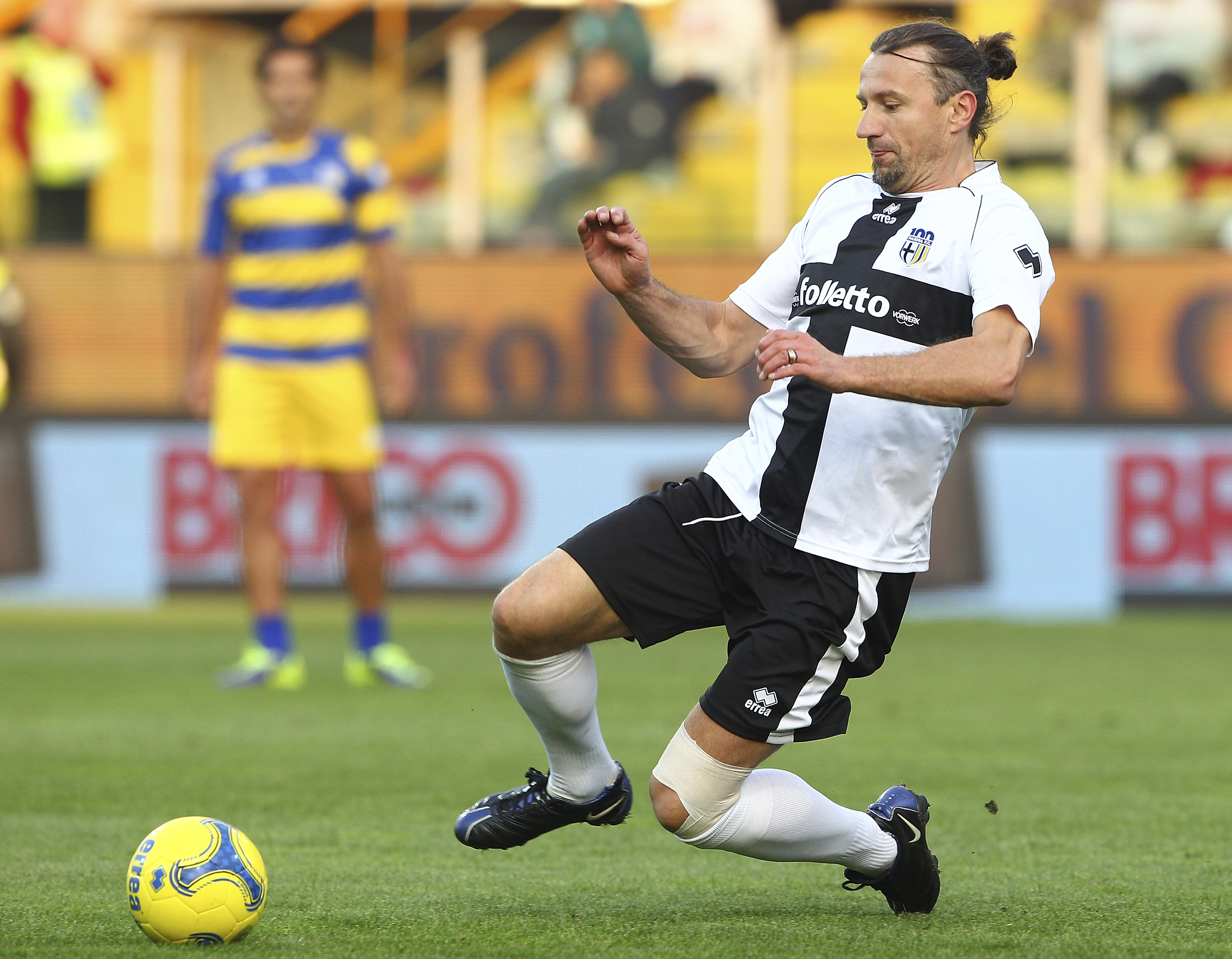 PARMA, ITALY - OCTOBER 13:  Mario Stanic of Stelle Crociate in action during the 100 Years Anniversary match between Stelle Crociate and US Stelle Gialloblu at Stadio Ennio Tardini on October 13, 2013 in Parma, Italy.  (Photo by Marco Luzzani/Getty Images)