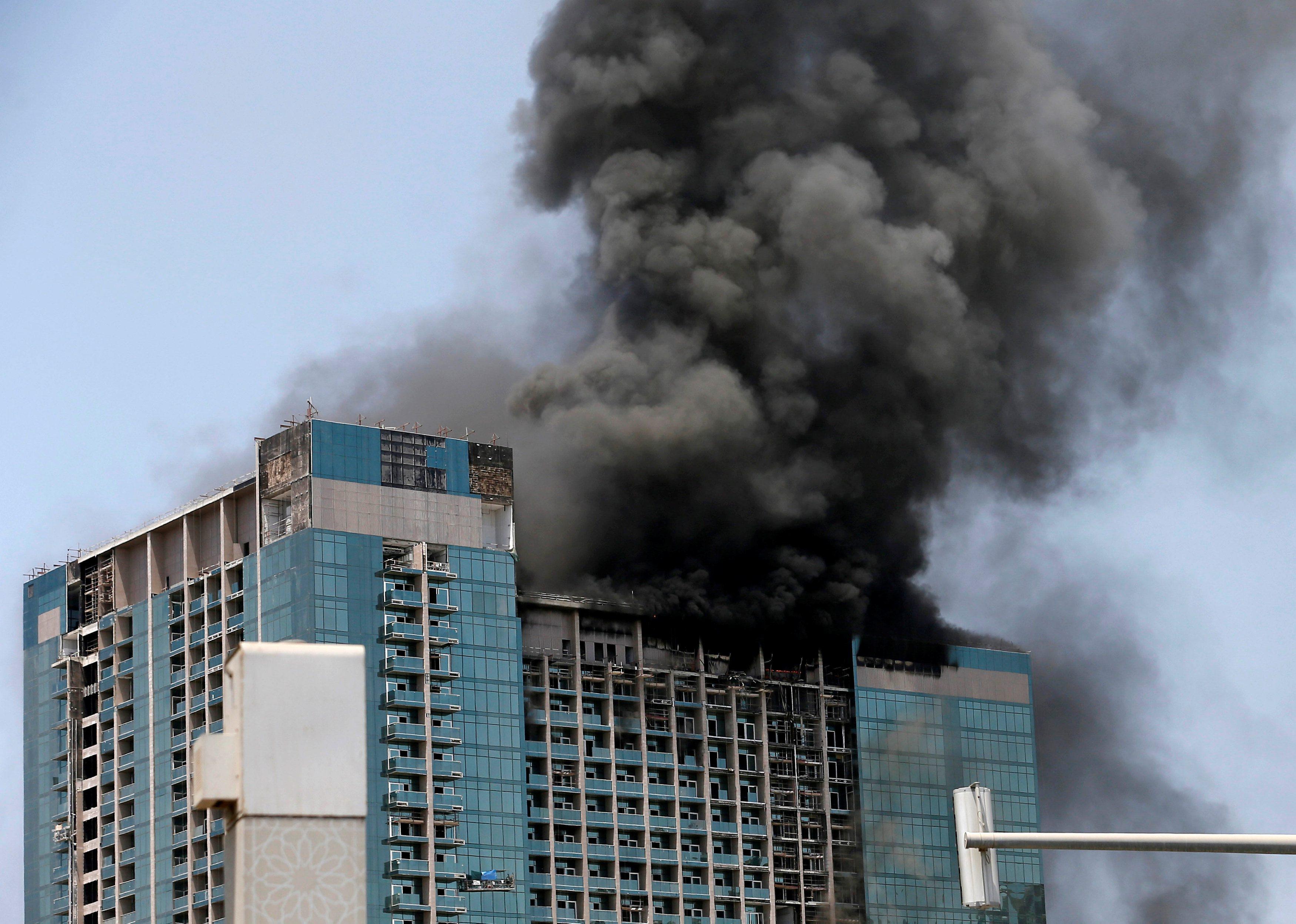 Zgrada zahvaćena požarom u Abu Dhabiju u utorak